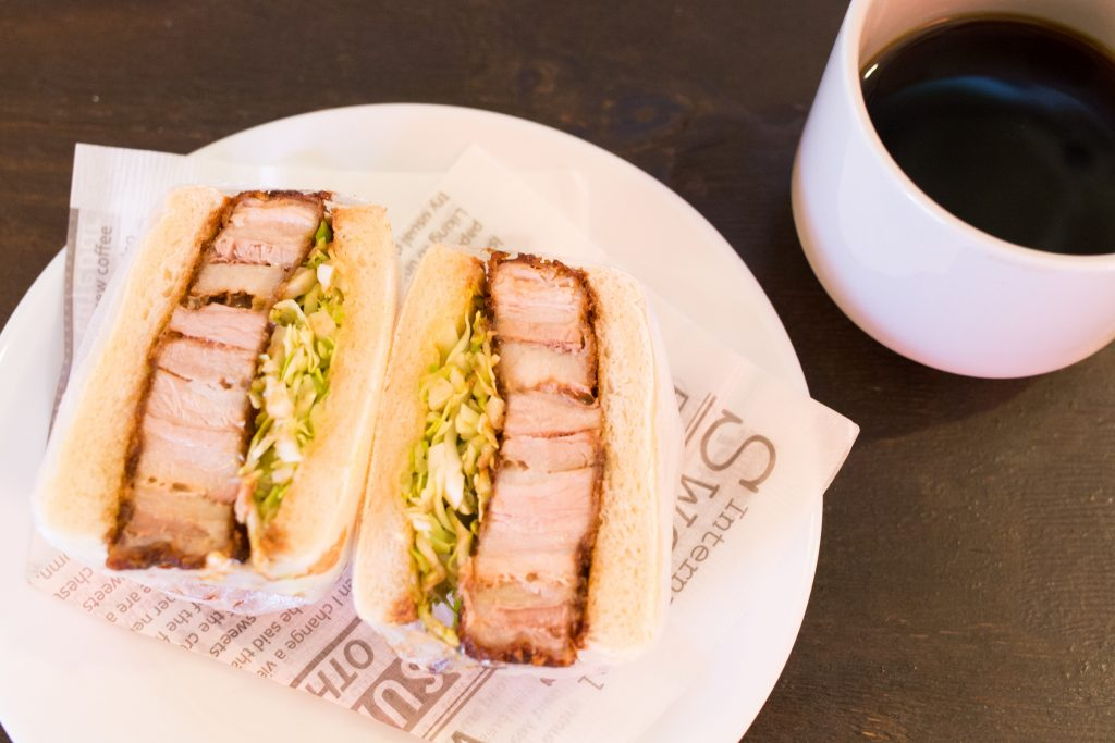 narrow cafeの「カツサンド」と「コーヒー」