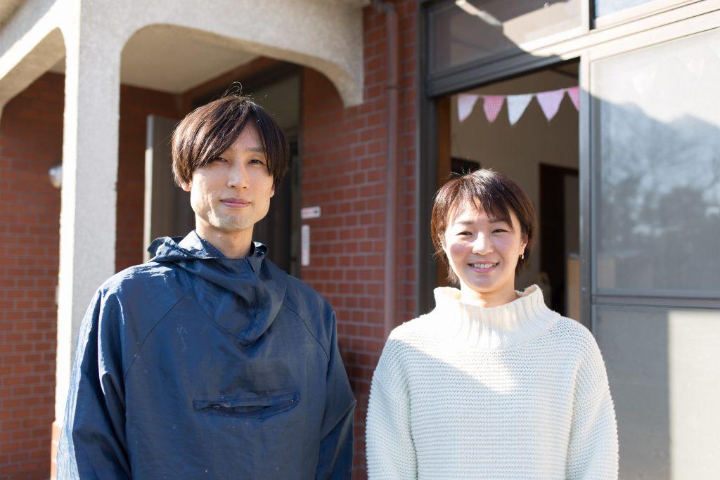 左が建築家の猪又嵩史さん、右が対談ホストの「にぎり娘」である山本亜紀子さん