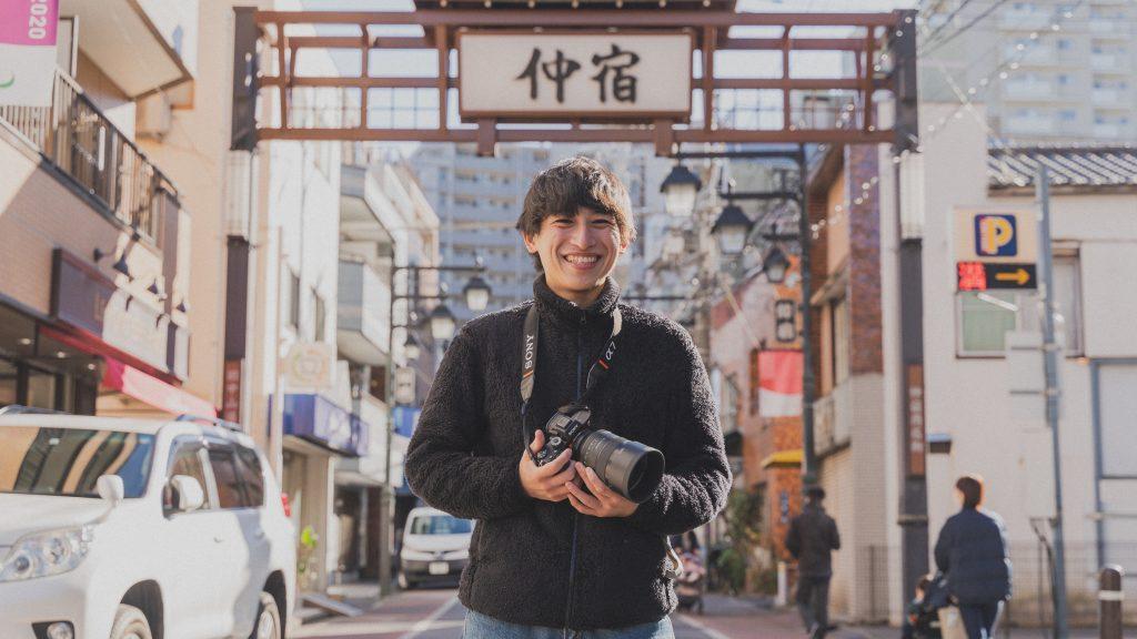 カメラマンの山本陸さん