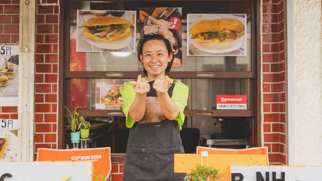 「525ゴツーゴbanh my サンドイッチ& coffee 専門店」店長の宮田清河さん