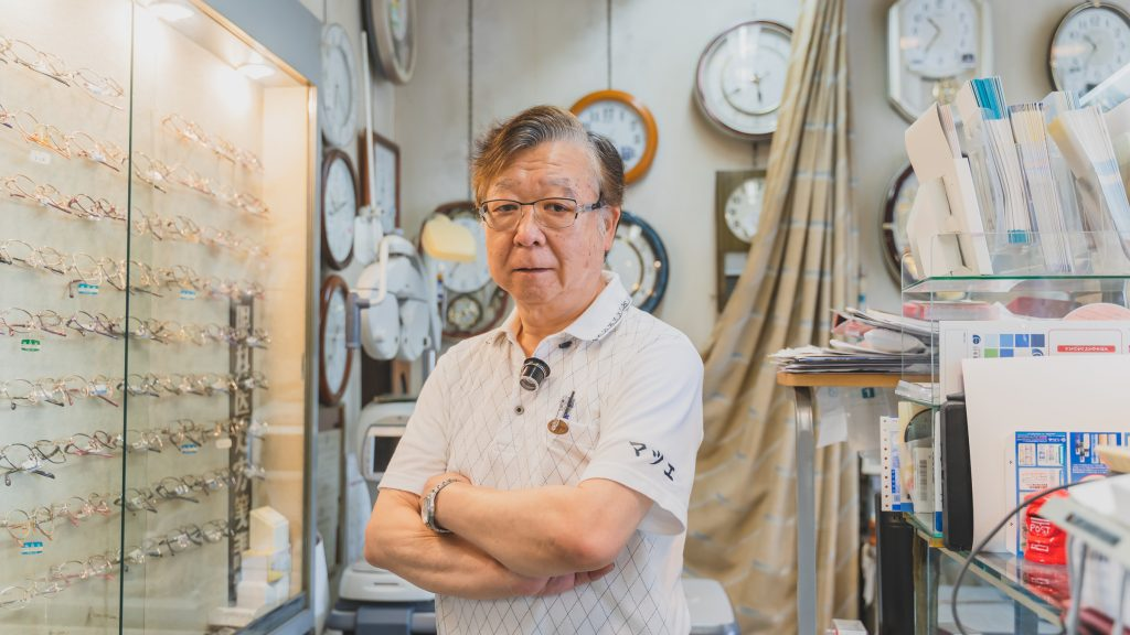 「マツエ時計店」オーナーの松江福重さん