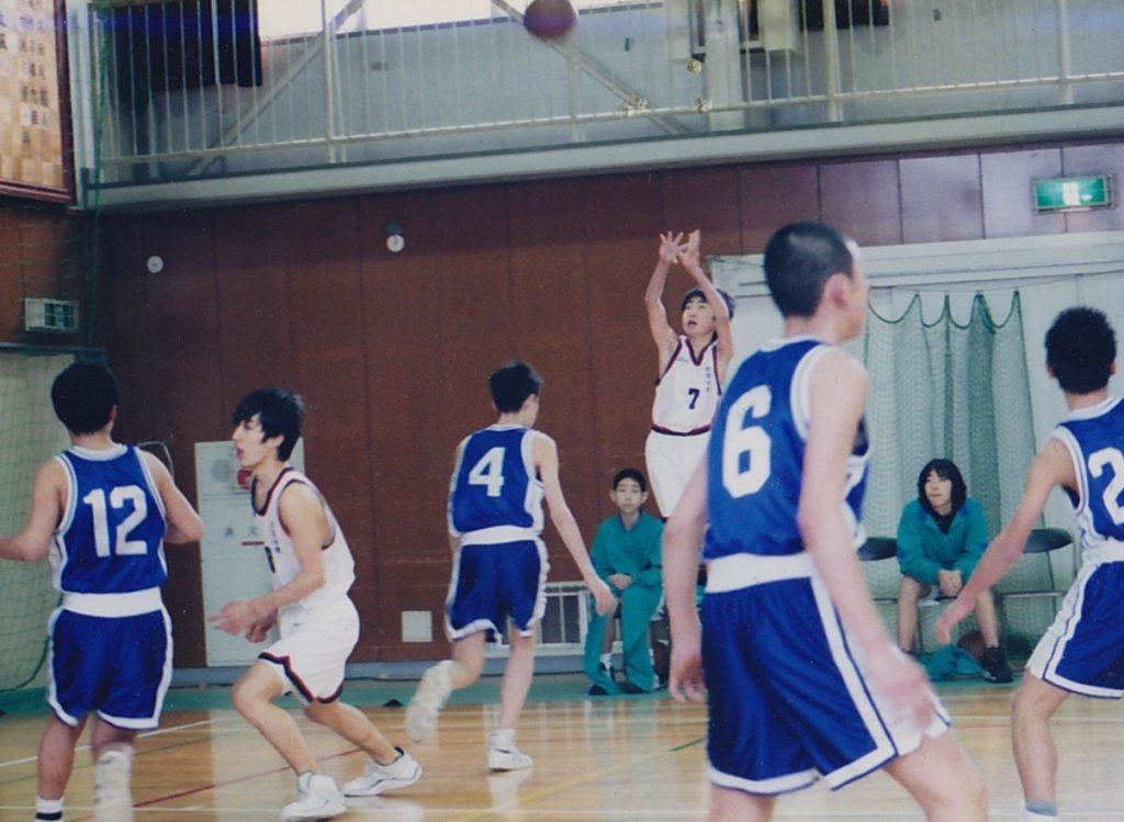 小学校の頃から始めたバスケットに、ずっと関わりたいと考えていました